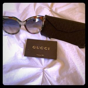 Floral Gucci sunglasses
